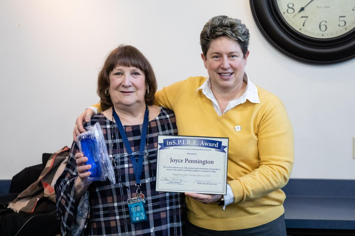 Joyce Pennington receives the Marietta College Inspire Award