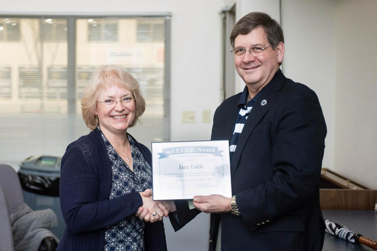 Jane Eakle receives the Marietta College Inspire Award