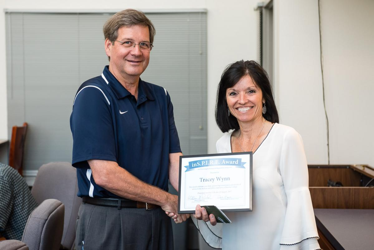 Tracey Wynn receives the Marietta College Inspire Award