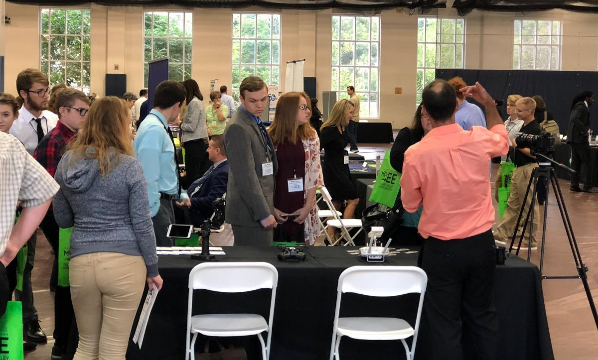 Tables and Booths at the MOVEE 2018