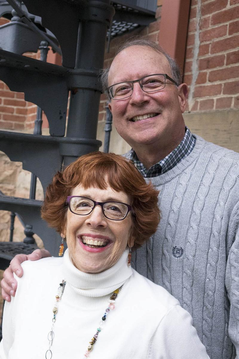 Sally Heckert Uhde '63 and her husband, Dick enjoy an evening with alumni