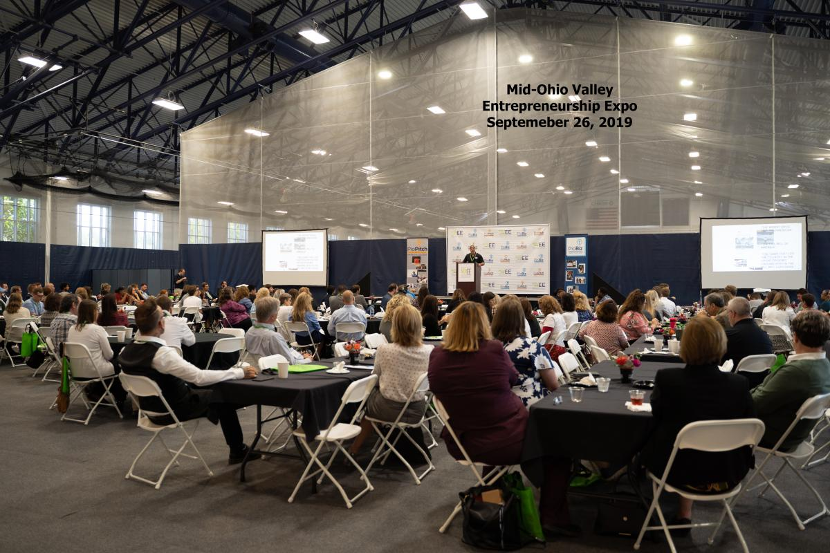 2018 MOVEE luncheon buffet at Marietta College