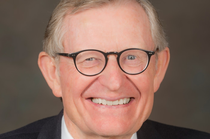 Gordon Gee headshot