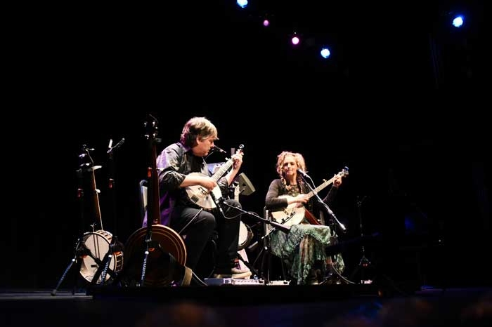Béla Fleck, Abigail Washburn play at Peoples Bank Theatre