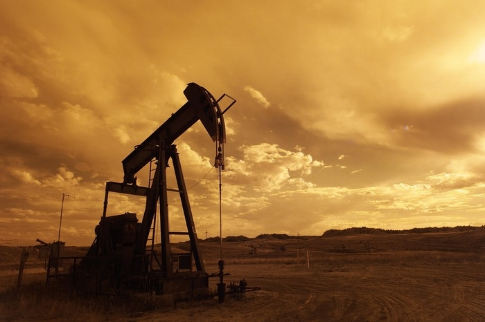 oil pump with clouds