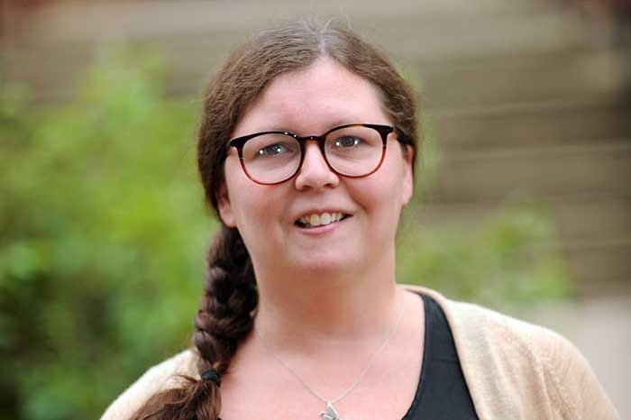 Alexandra Perry headshot