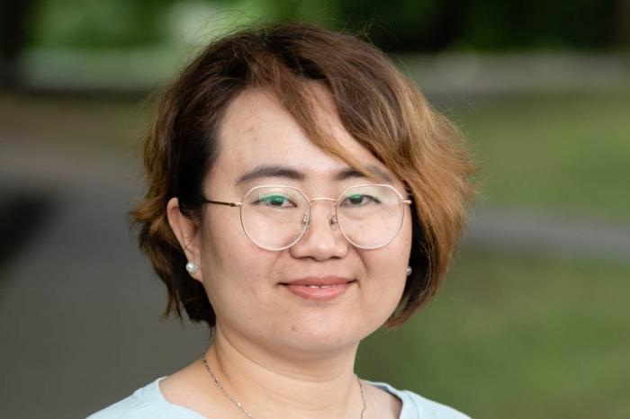 Shirley Shao headshot
