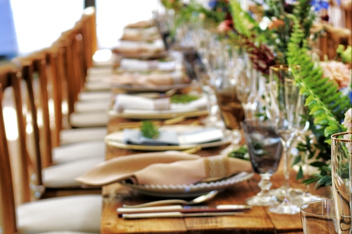 Close up photo of dinnerware on top of a table
