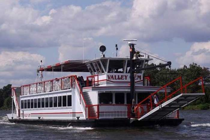 Valley Gem boat tour on muskingum