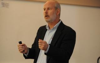Greg Delemeester teaching