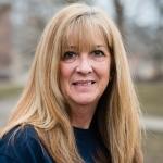 Carol McCracken headshot