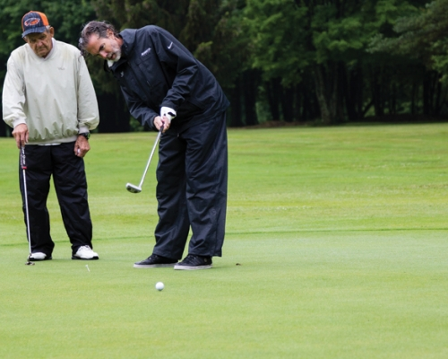 Joe Bergin putts during the annual Pioneer Challenge in Pennsylvania