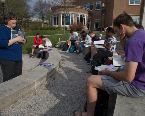 Dr. Bev Hogue teaching class in the amphitheatre