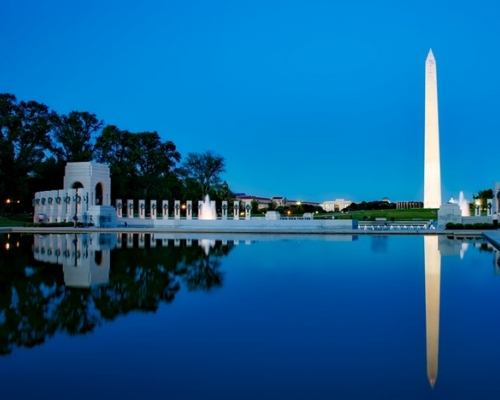 Washington Monument with the WWII memorial in the foreground