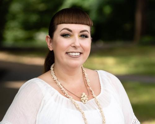 Erin Zerbe headshot