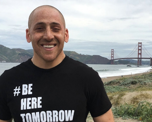 Suicide-survivor Kevin Hines in front of the Golden Gate bridge
