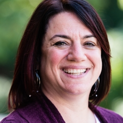 Marianne Candido headshot