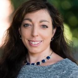Alicia Doerflinger headshot
