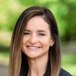 Maggie Miller headshot