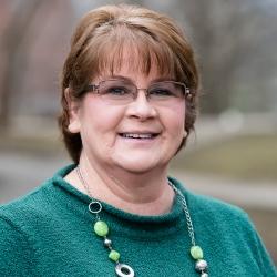 Cindy Nutter headshot