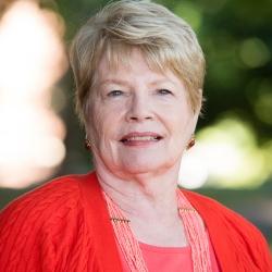 Linda Rhoads headshot