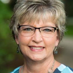 Donna Venham headshot