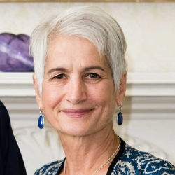 Judy Ruud headshot