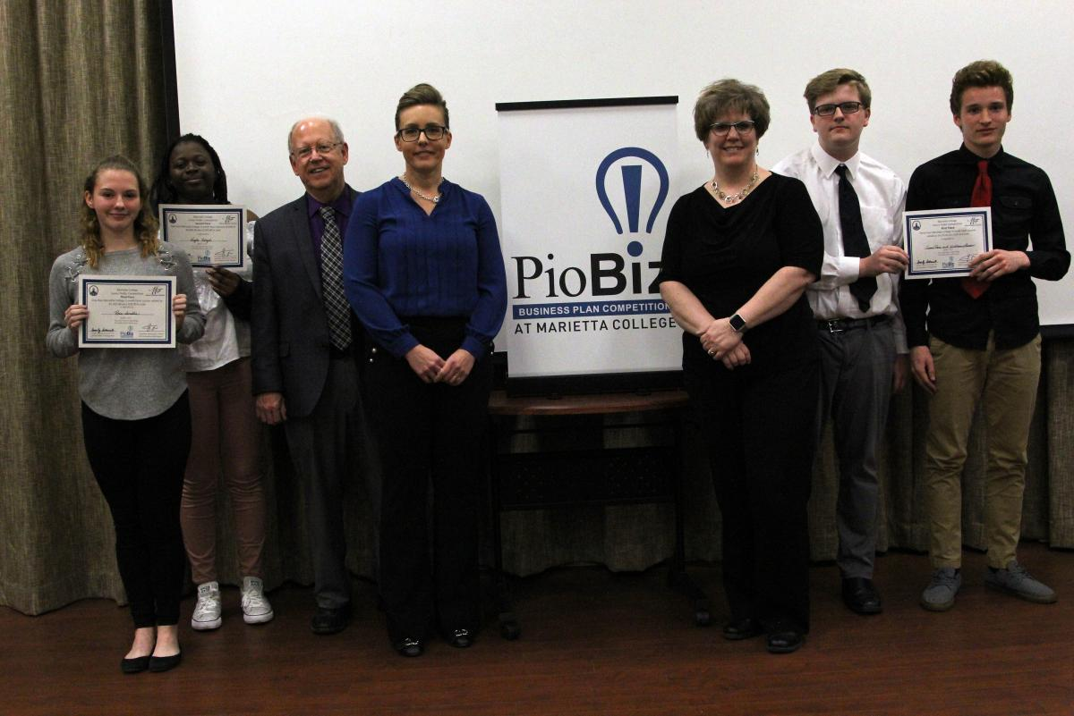 Group shot of the participants of the 2019 Marietta College Junior Piobiz Round 2 Competition